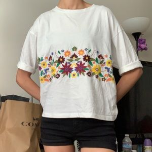 Flowery embroidered White Tee shirt